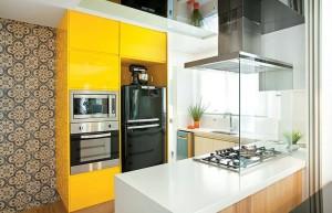 Amarelo e preto no décor